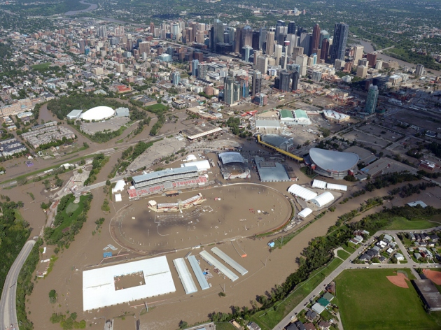 An arial flood photo from the National Post.